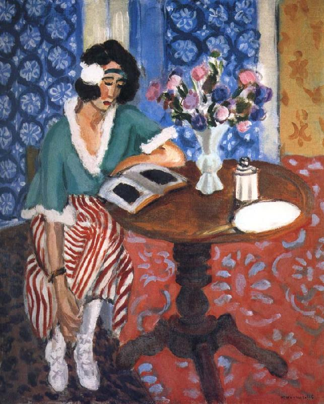 Reading desk woman, Henri Matisse